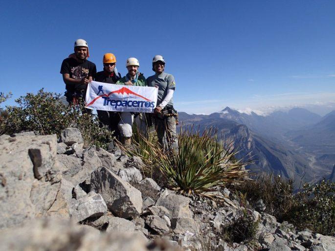 Grupo en la cumbre del Picacho de Las Animas