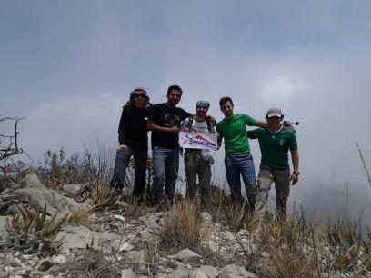 David Salas, Alberto Arrieta, Leonardo Zamora, Daniel Santos y Alejandro Pantoja en la cima de la Blanca