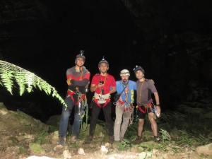 Vista hacia la segunda caverna
